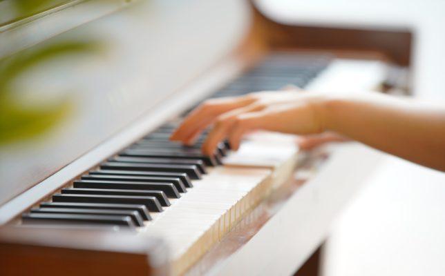 コード奏法・ピアノ弾き語り